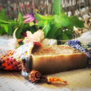 Pflegeset bestehend aus Seifensäckchen und Lavendel- Seife